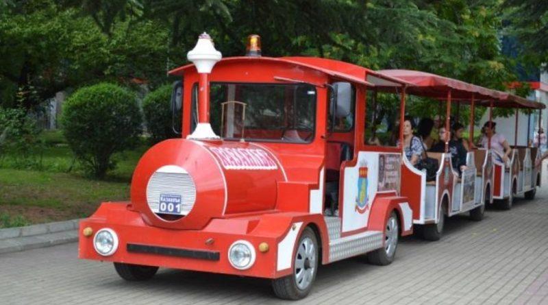Тръгват атракционните влакчета в Казанлък
